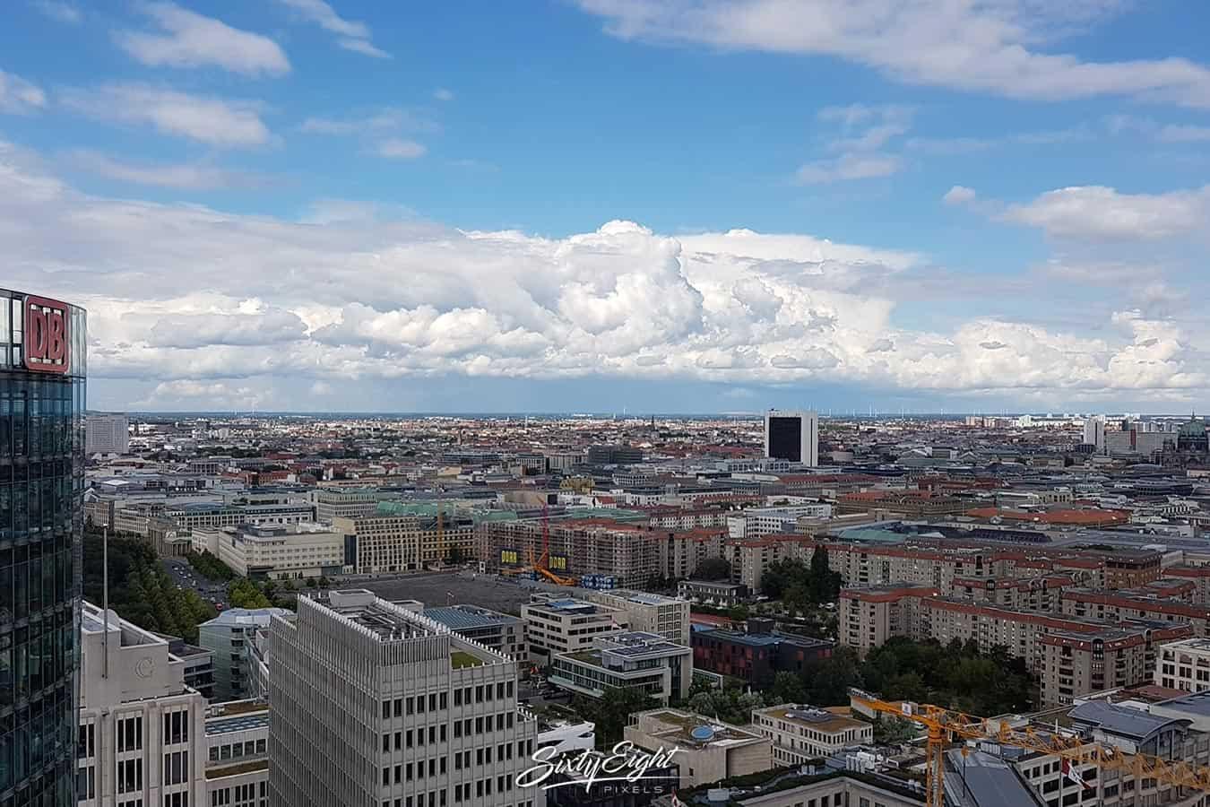 Na ist sprichtwörtlich über den Dächern Berlins